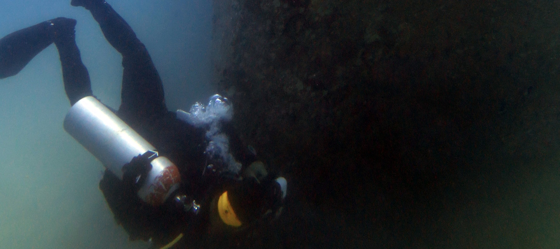 diving-the-wreck-t11